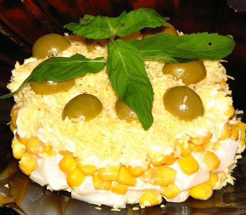 salat-iz-kopchenyh-kalmarov